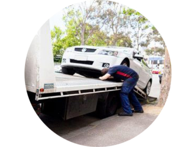 Affordable Car Towing in Richmond - Richmond Fast Towing - 1