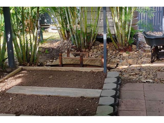 Vegi garden Services - Rogers Little Loaders - 3