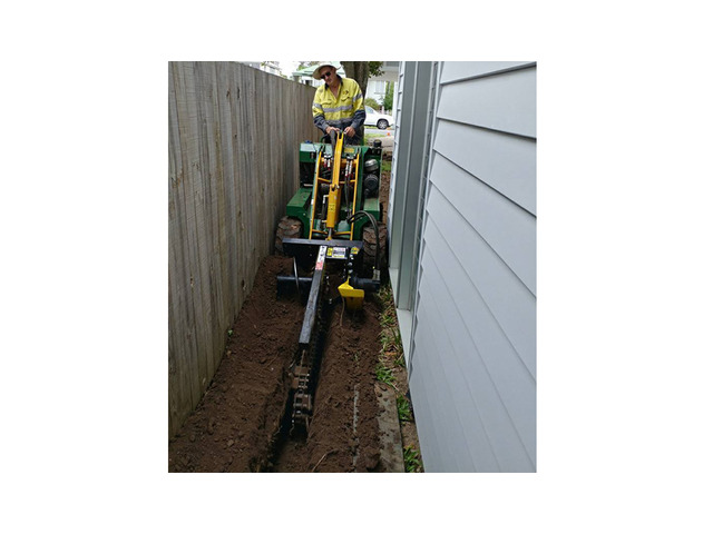 Trenchers Sharp Trenching Projects - Rogers Little Loaders. - 3