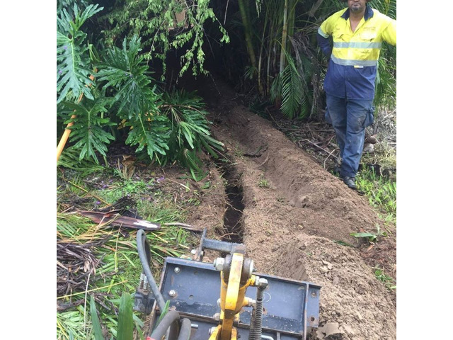 Trenching for electrical cable - Rogers Little Loaders. - 5