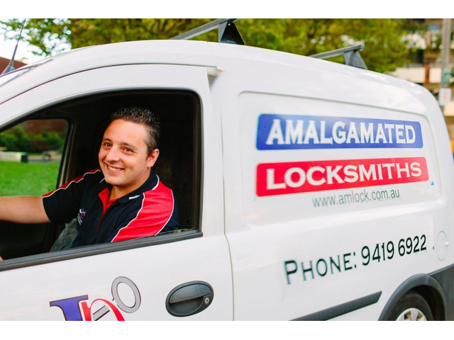 24/7 Emergency Locksmith Service in Collingwood - 1