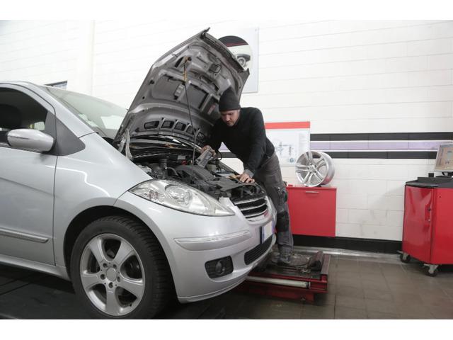 Expert Car Mechanic in Blue Mountains - Muffler Mart & Tyre - 1