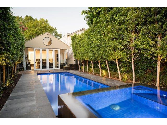 Swimming Pool Renovation Company in Melbourne - 1