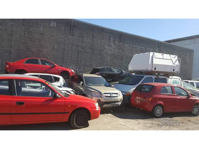 Sell your hail damaged car for good cash in Brisbane, CaboolTure, Gold coast, Ipswich - 1