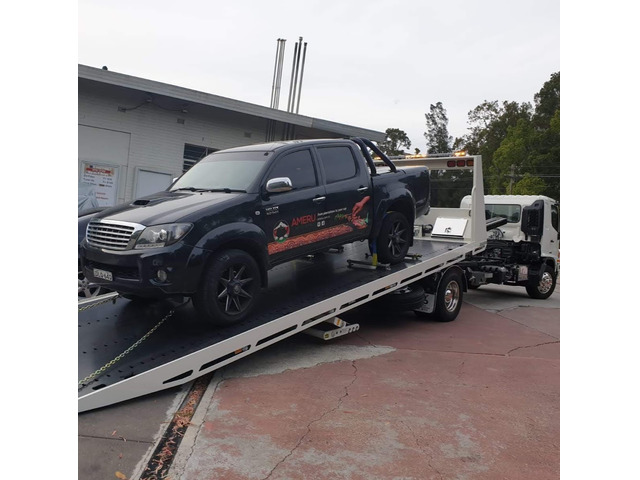 Affordable Tilt Tray Towing Service in Richmond - Richmond Fast Towing - 1