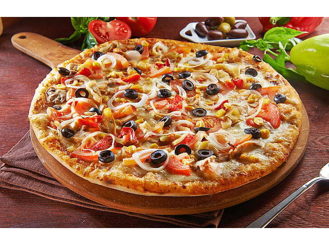 Hot Pan Pizza's 15% off @ Hugo's Pizza –  City Beach, WA - 1