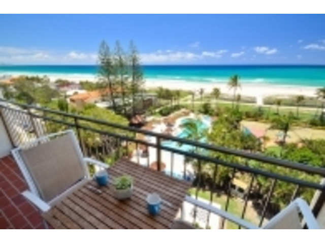 Palm beach qld water front apartments gold coast - 1