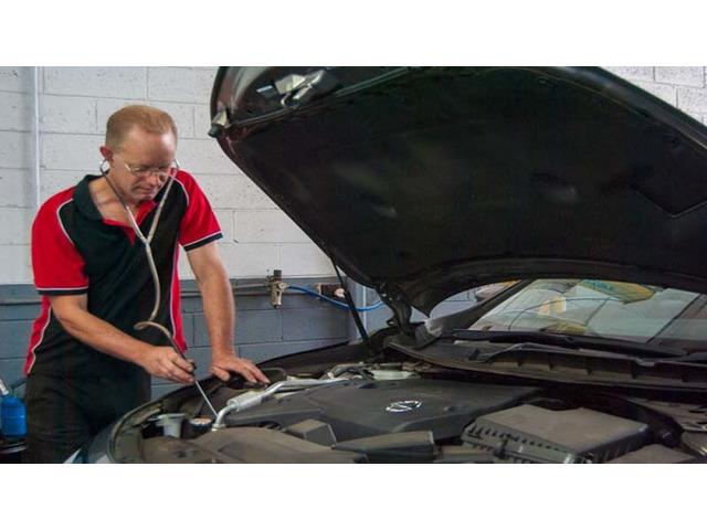 Car Mechanic in Ferntree Gully - Bayswater Automotive Service - 2