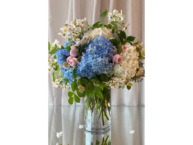Melbourne Corporate Floral Decors at Affordable Prices | Antaeus Flowers - 1