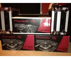 2 x Pioneer CDJ-2000 Nexus & 1x DJM 2000 Nexus Mixer + Coffin Case + Headphones