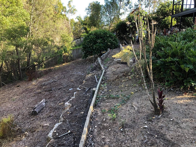 Retaining wall replacement and turf - 4
