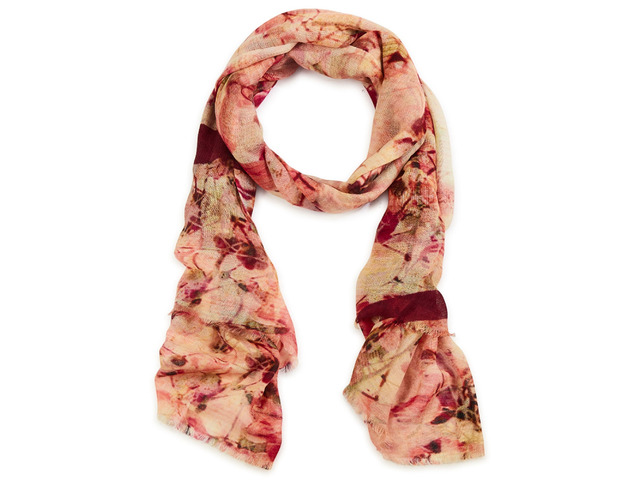 Complete Your Look with the Best Women Scarves - 1