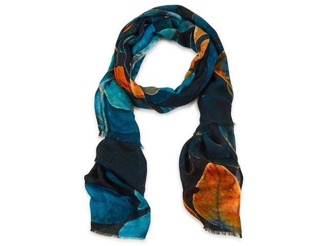 Complete Your Look with the Best Women Scarves - 7