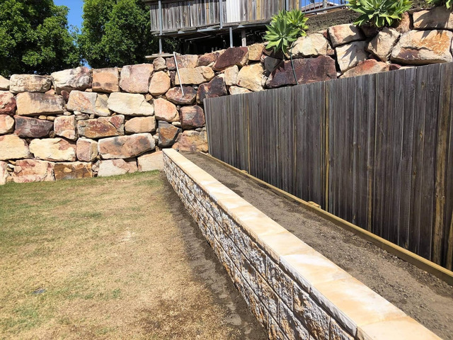 Retaining wall garden bed - 3
