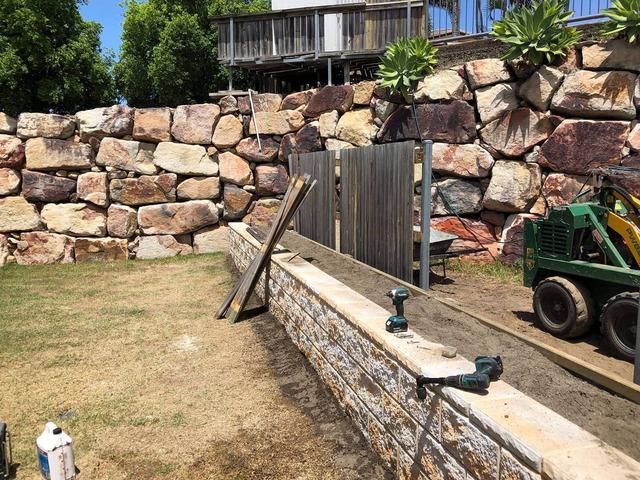 Retaining wall garden bed - 4