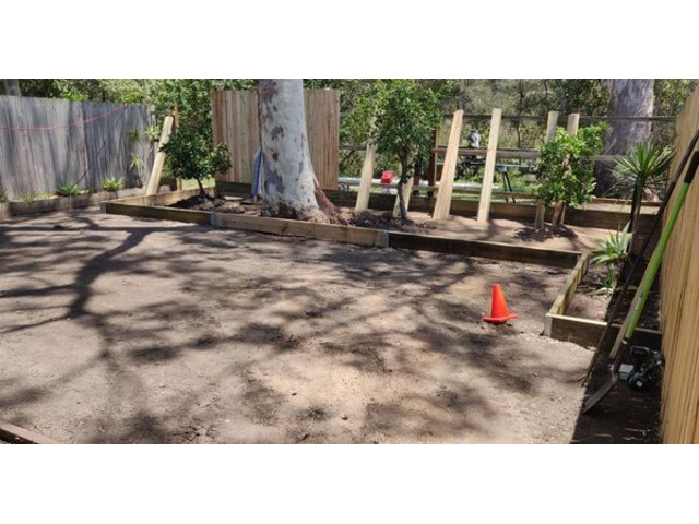 Landscaping in Lota- Fencing - 3
