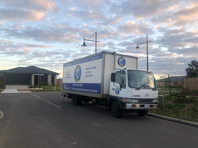 Removalists Melbourne Movers Ensure Better Experience With Moving Anything - 1
