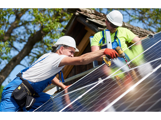 Professional Solar Panel Cleaning Service in Brisbane - 1