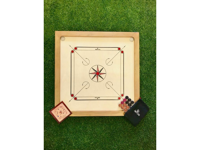 84x84cm Plywood Carrom Board with 74x74cm Internal Playing Area - 1