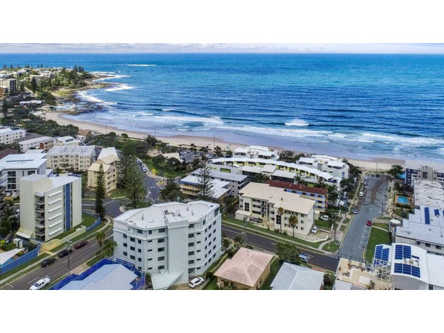 Get Holiday apartments and accommodation at Kings Beach - 1