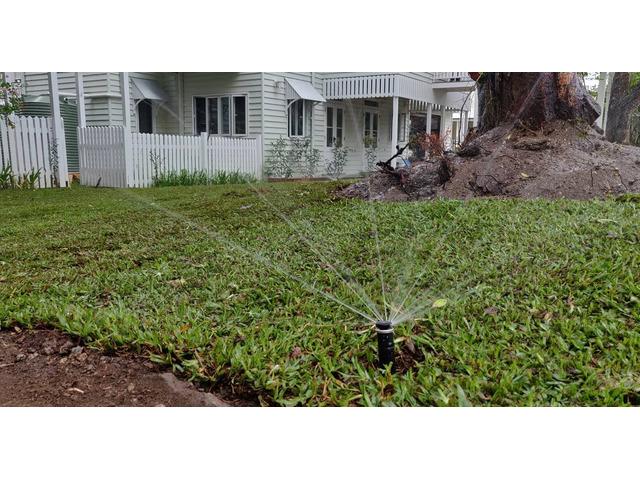 Massive 550m2 irrigation and returf. (Front yard) - 3
