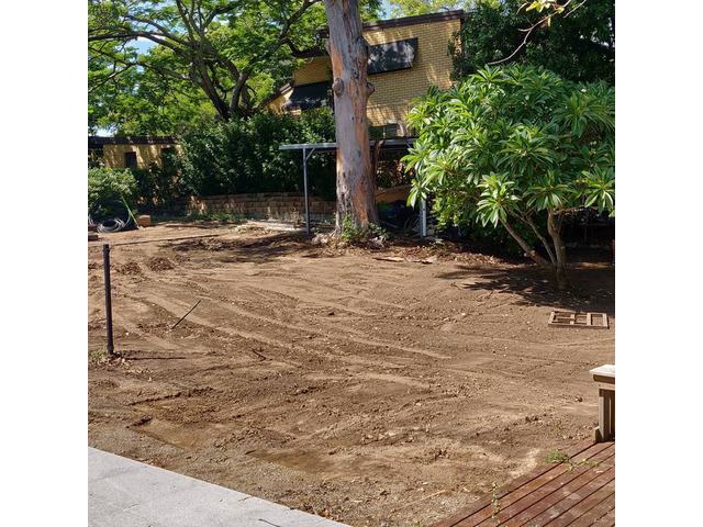 Massive 550m2 irrigation and returf. (Backyard) - 8