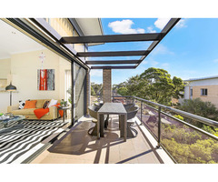 Great Location! Beautiful 2 bed/2 br apt – with 'penthouse' feel