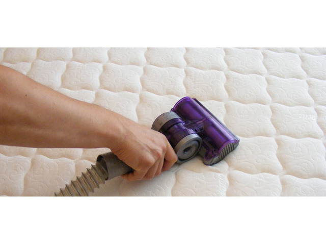Professional Mattress Steam Cleaning Brisbane - 3