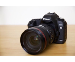 immaculate 5D Mark iii body & 24-105mm f/4.0 IS USM L Lens Has 10450 Shutter Count