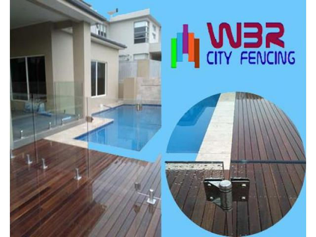 Approach a reliable glass fencing contractor to get durable fencing materials - 1