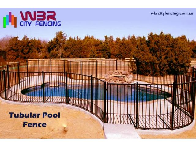 Approach a reliable glass fencing contractor to get durable fencing materials - 4