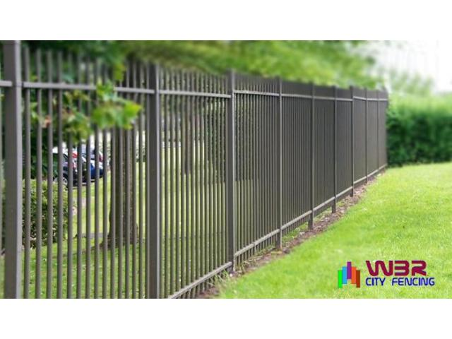 Approach a reliable glass fencing contractor to get durable fencing materials - 6