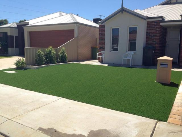 Artificial Turf for Front Yards - 1
