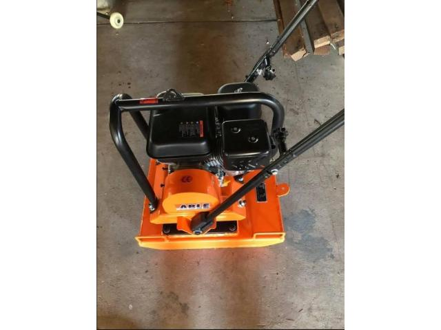Plate Compactor 6.5 HP 100KG 16KN Commercial Grade Compactor - 1
