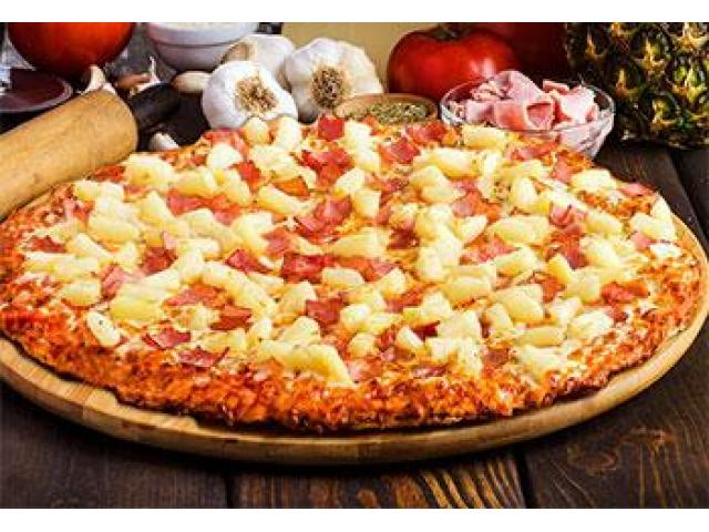 Grab your tasty Pizza Dishes @ Queens Park Pizza with 5% off - 4