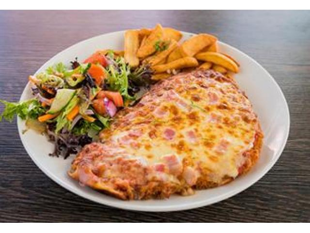 Get Yummy Pizza dishes @ Euro Pizza - 5% off - 4