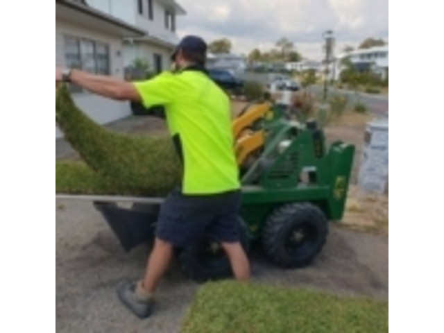 Turfing Retaining Wall Fencing Builder - Rogers Little Loaders - 1