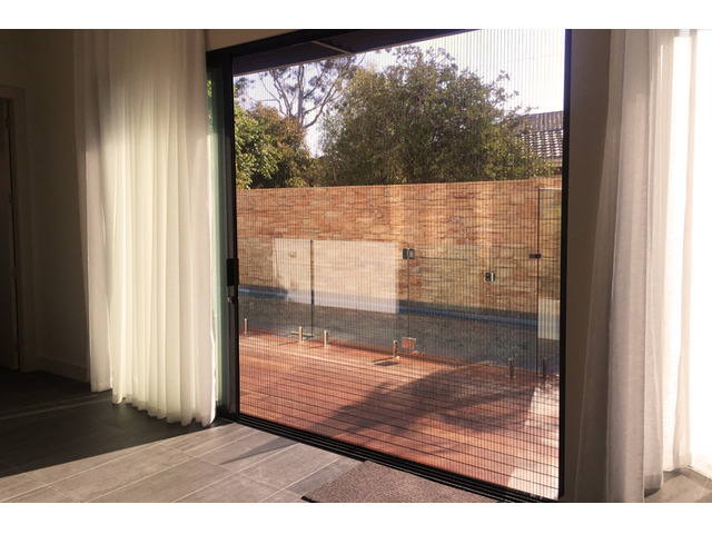 Purchase Retractable Flyscreens in Geelong– Quick Delivery to Your Place - 1