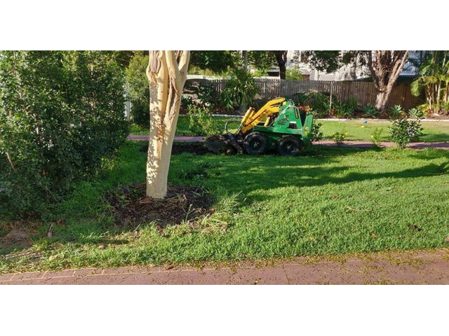 Lawn Front ReTurfing Services - Rogers Little Loaders. - 6