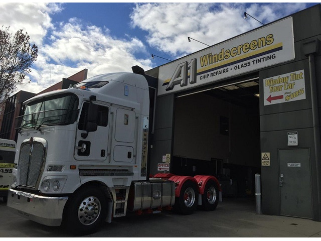 Professional Truck Windscreen Replacement in Melbourne at Best Price! - 1