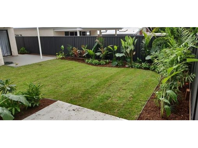 Full Home Landscaping on April 10 in Mitchelton - Rogers Little Loaders. - 1