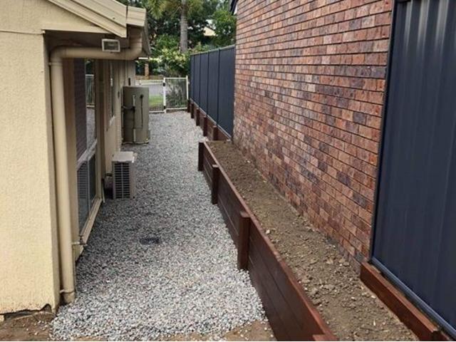 New Colorbond fence built on April 12 - Rogers Little Loaders - 3