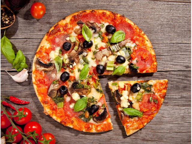 Get 15% off  La Romana Pizza Bar Broadview,Use Code OZ05 - 5