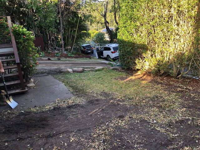 Returfing Front Yard Makeover - Rogers Little Loaders. - 5