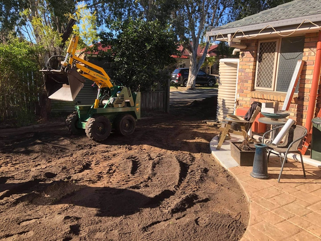 Give your yard a fresh start at life at Coopers Plains., Queensland. - Rogers Little Loaders. - 2