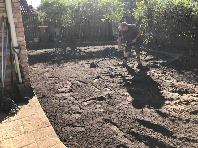 Give your yard a fresh start at life at Coopers Plains., Queensland. - Rogers Little Loaders. - 4