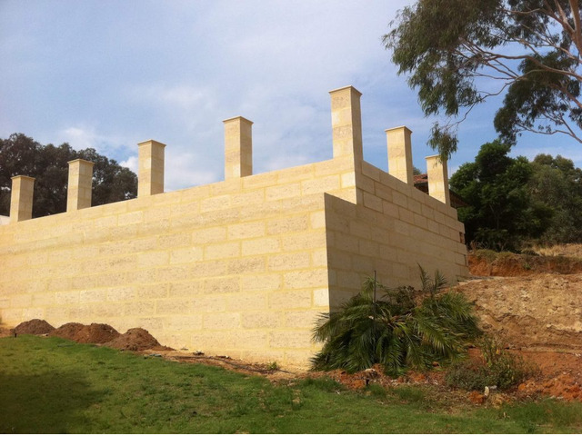 Retaining Wall Construction | 0419 905733 - 1