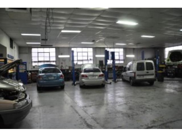 Car Mechanic South Melbourne - Westend Automotive Centre - 2